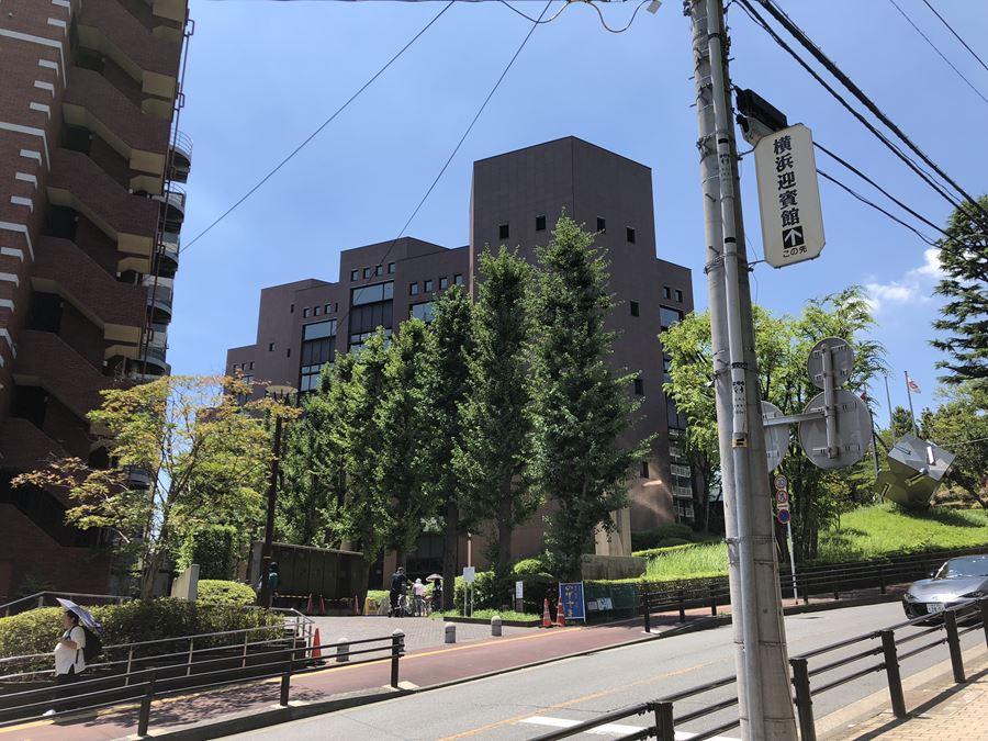 横浜市立中央図書館が最高すぎて、もはや生活必需品と化している。横浜 ...