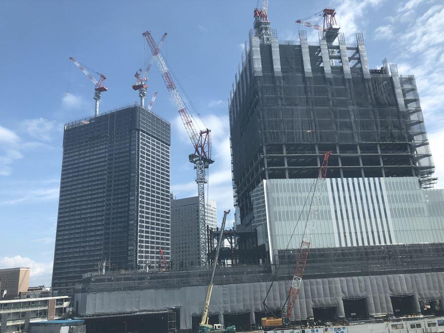 桜木町駅前にある「クロスゲート」3Fのフライデーズから見える横浜北仲