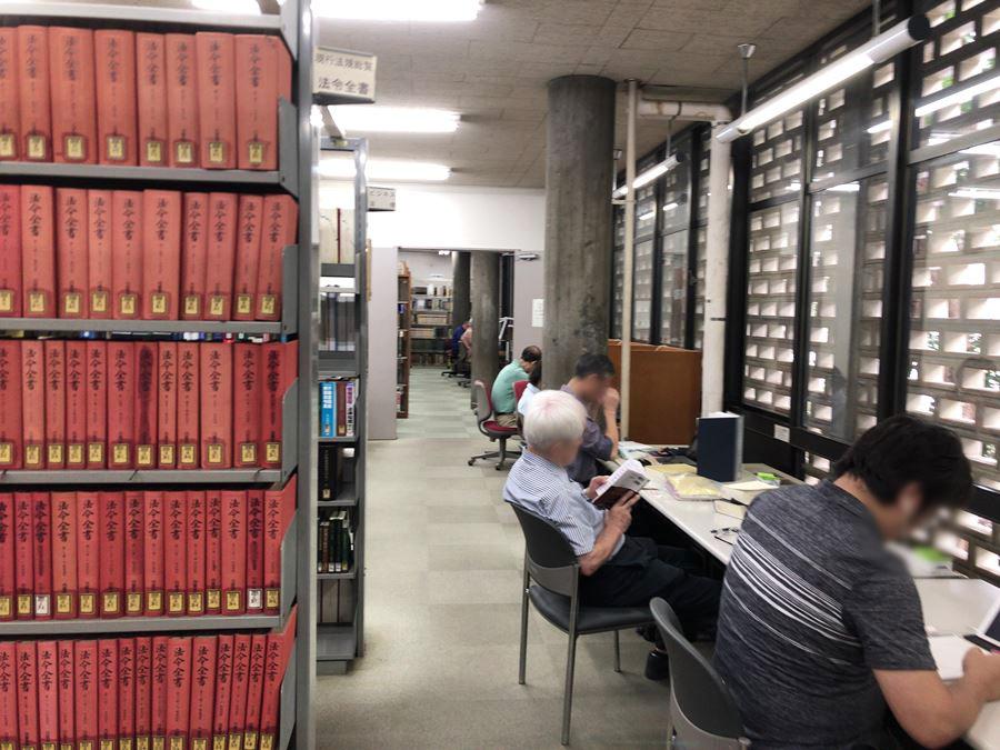 神奈川県立図書館(紅葉ヶ丘)本館1F写真