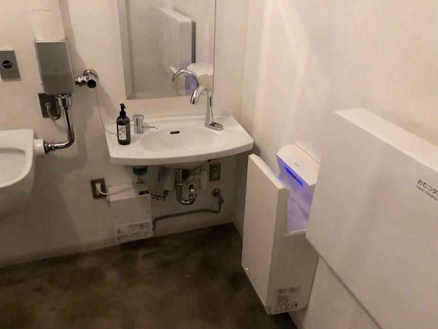 MARINE & WALK YOKOHAMA(マリン アンド ウォーク ヨコハマ)の多目的トイレ