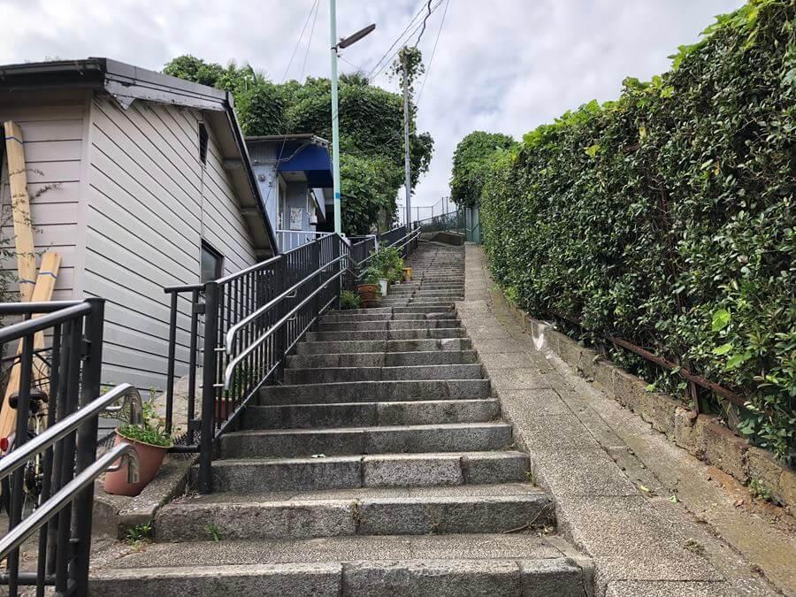 元町百段公園までの階段写真