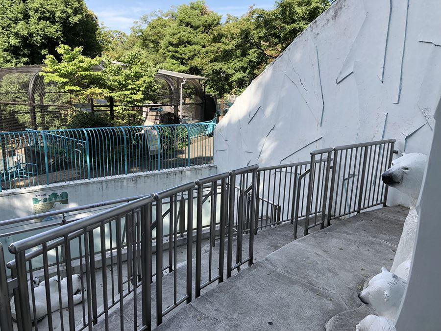 野毛山動物園のシロクマ舎復元写真
