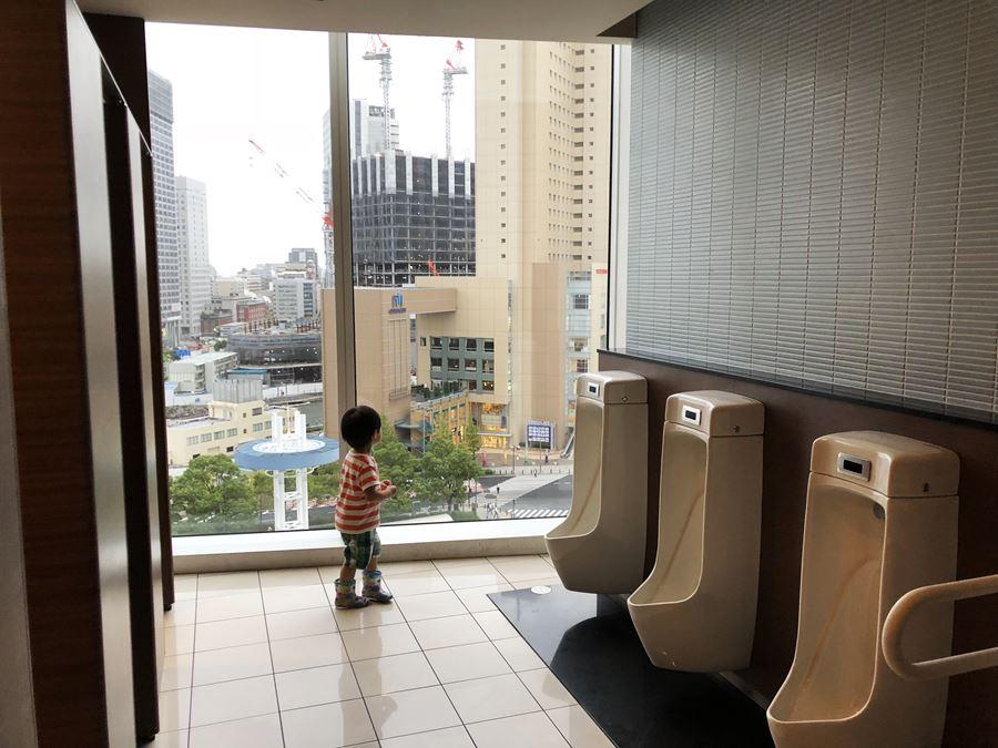 コレットマーレ7Fにある男子トイレ