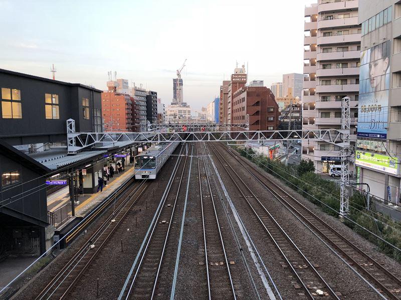 リニューアルした相鉄線平沼橋駅の駅舎
