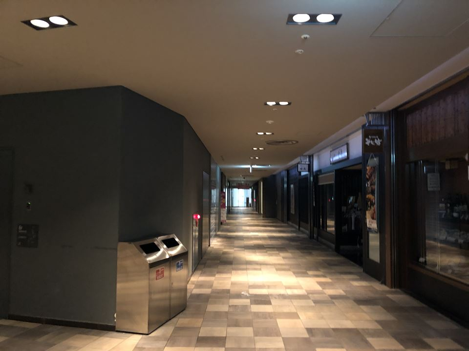 コレットマーレの映画館ブルク13からの夜間出口