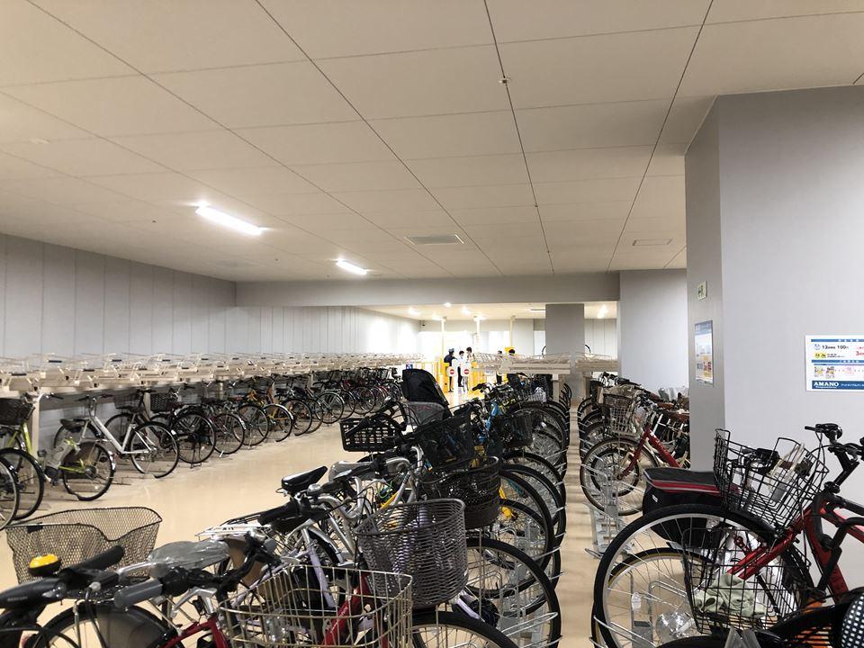 MEGAドンキ港山下総本店の駐輪場