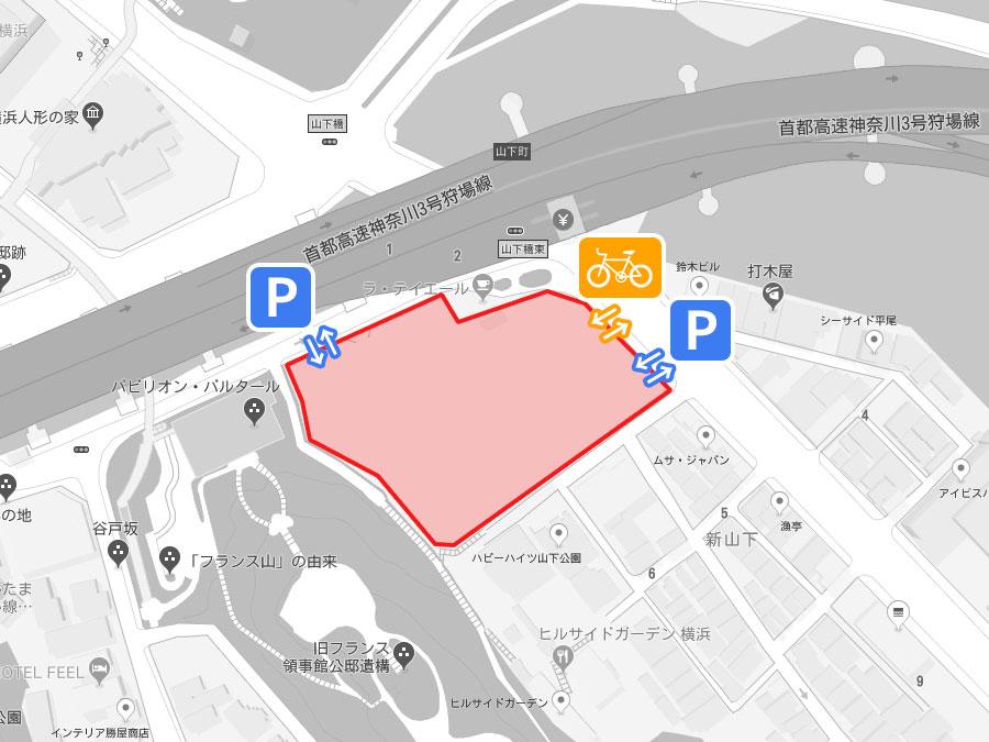 港山下ナナイロの駐車場と駐輪場