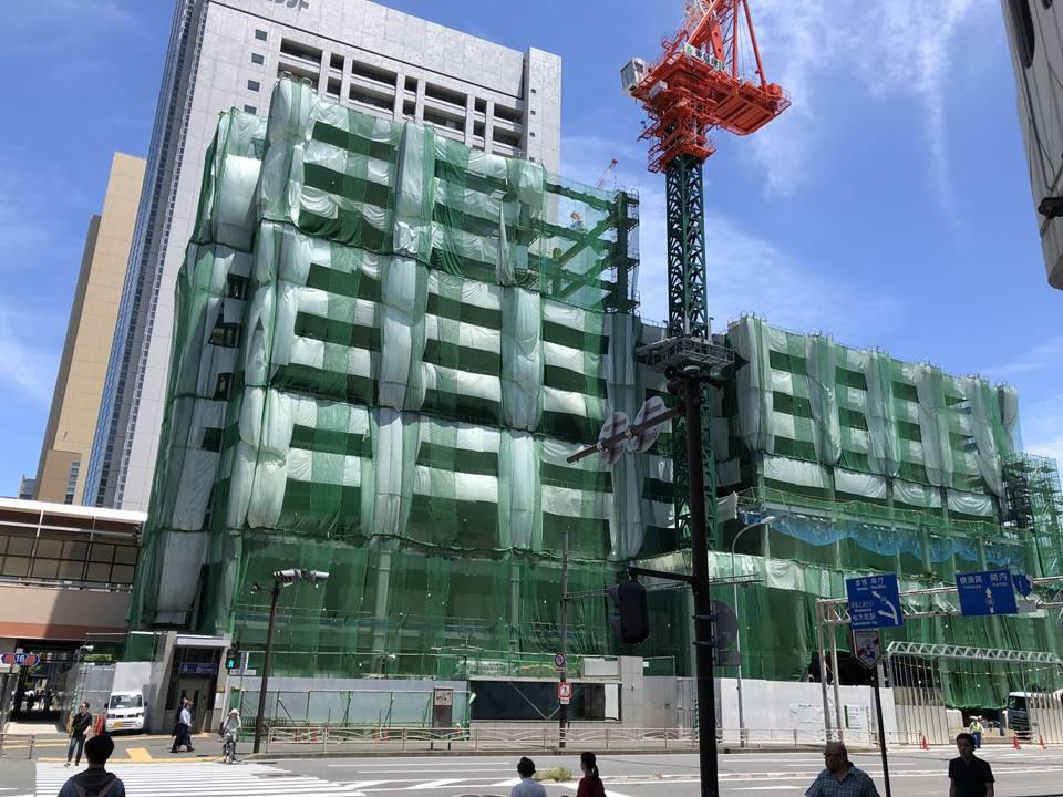 JR桜木町駅にできる新しい駅ビルの新築工事状況