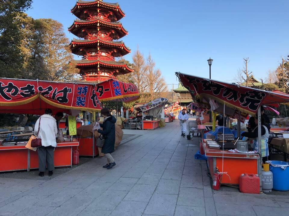 川崎大師平間寺の境内写真:不動堂