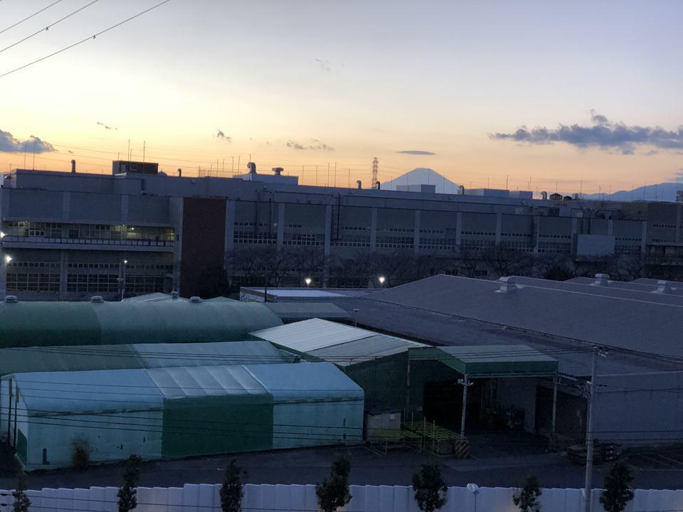 いすゞ自動車藤沢工場の目の前にあるPLAZA annexの客室写真