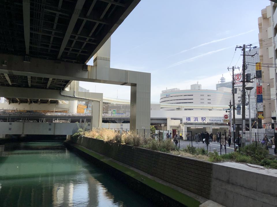 横浜駅西口開発ビルの連絡通路が予定される場所