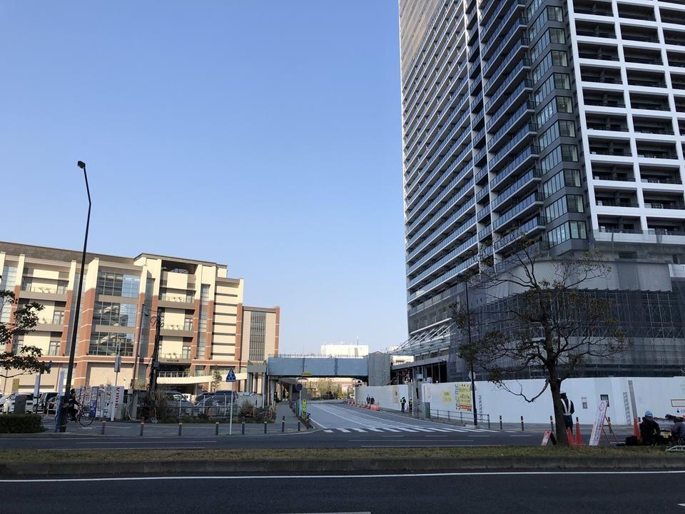 ノートルダムとつながるザ・タワー横浜北仲