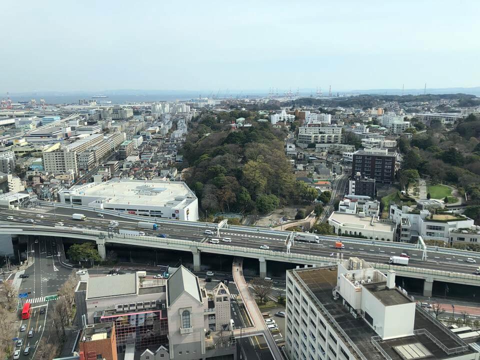 横浜マリンタワーから見える、港の見える丘公園地区(2019年3月)