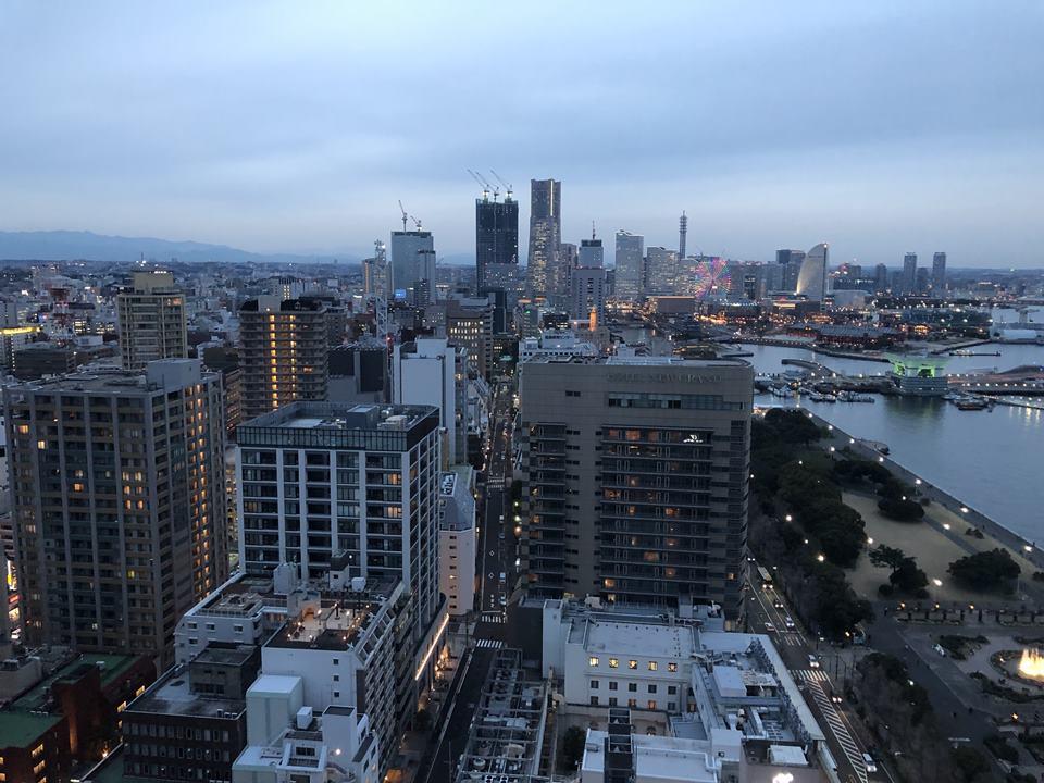 横浜マリンタワーから見えるみなとみらい地区(2019年3月)