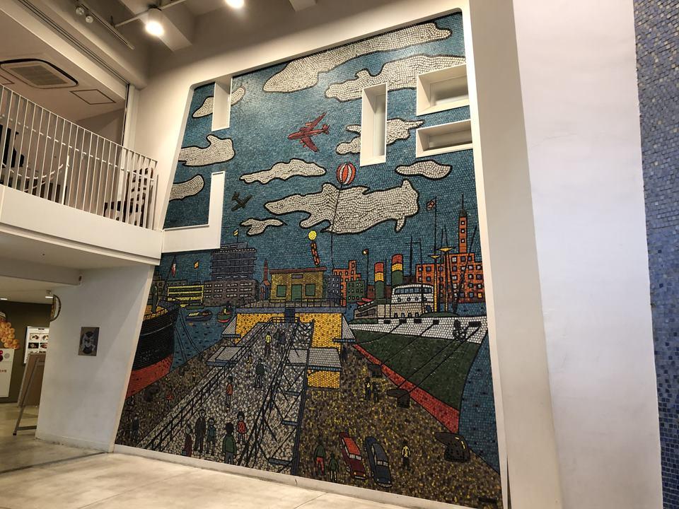 横浜マリンタワーにある山下清のアート