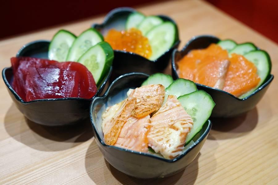 立食い鮨 鈴な凛「ミニお寿司丼(いくら丼、鉄火丼、サーモン丼、炙りサーモン丼)」