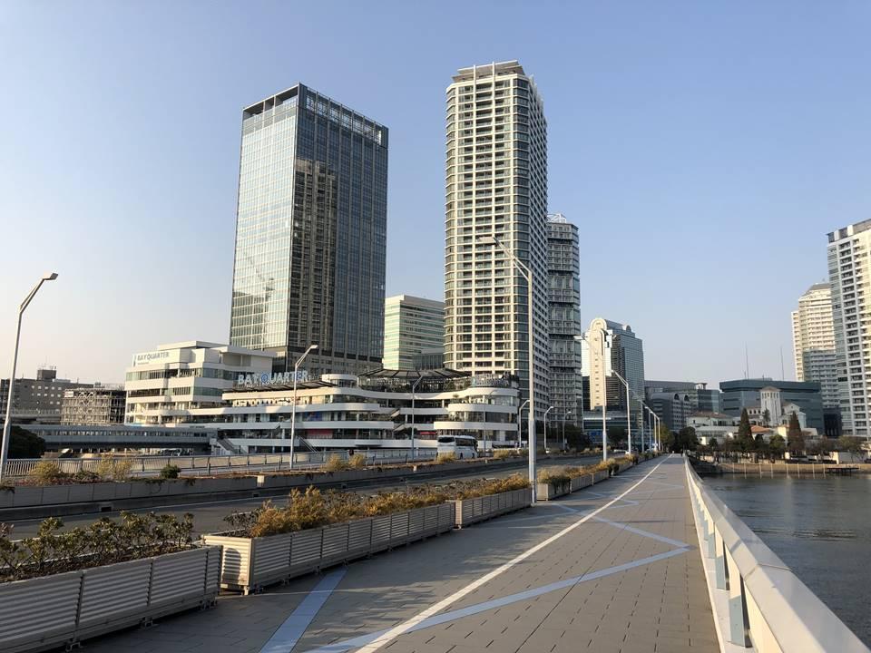 横浜駅とみなとみらいの間にある「高島水際線公園」へのアクセス