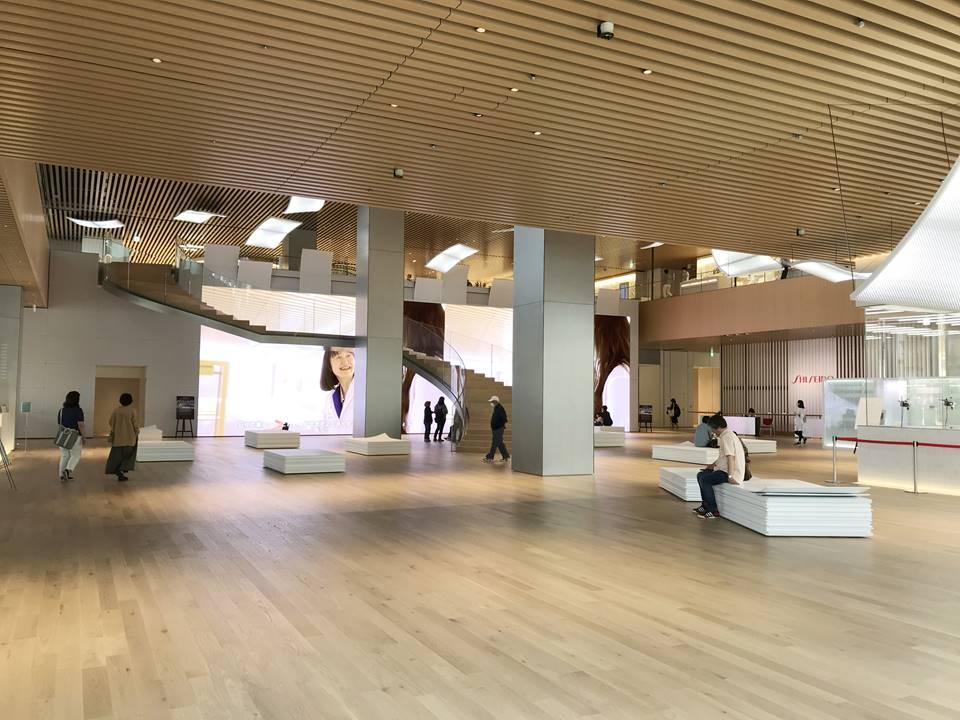 みなとみらいに新しくできた資生堂グローバルイノベーションセンター(エスパーク)の写真