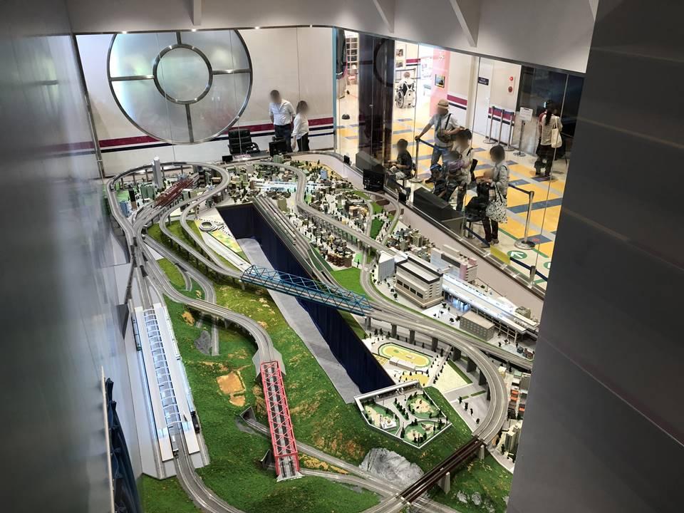 京王れーるランド1F:ジオラマ展示