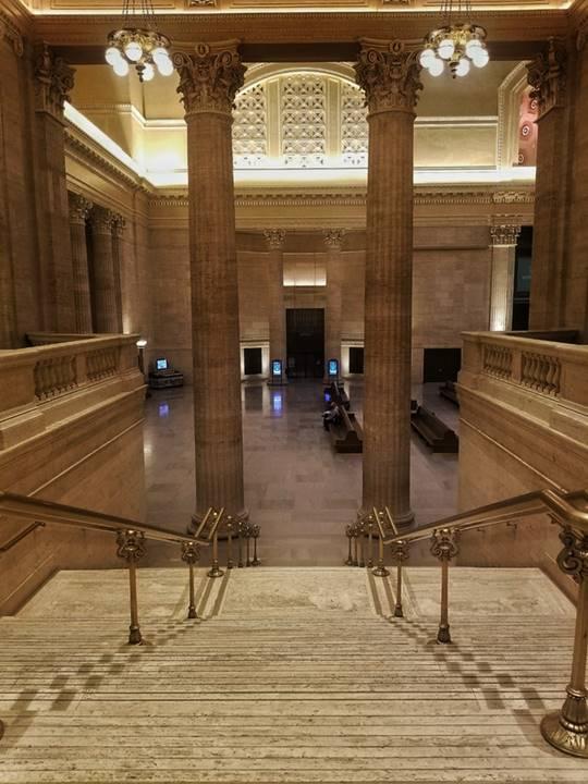 映画「アンタッチャブル」に登場したアメリカシカゴのユニオンステーション階段