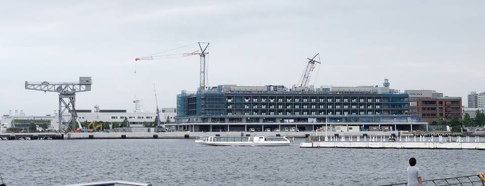 臨港パークから見たハンマヘッドプロジェクトの様子