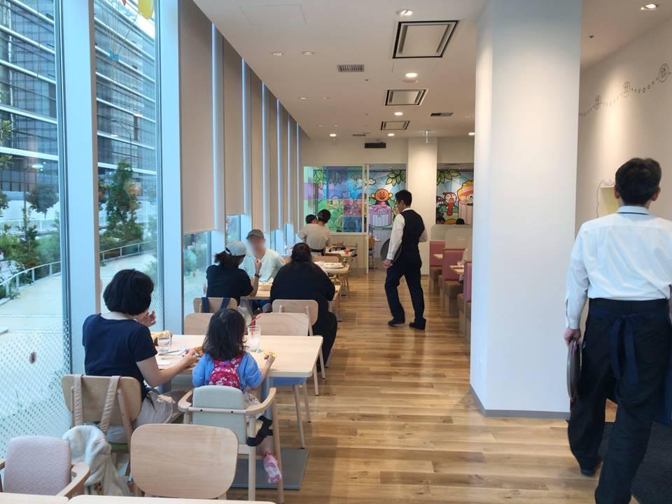 横浜アンパンマンこどもミュージアムにあるアンパンマンレストランの店内写真