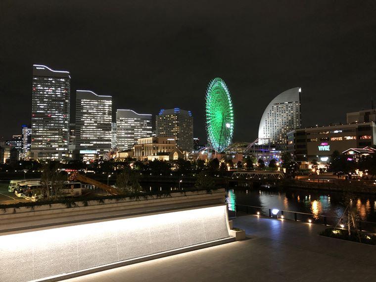 アパホテル&リゾート〈横浜ベイタワー〉のバイキングレストラン「ラ・ベランダ」から見える景色写真