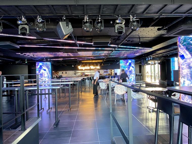 みなとみらい新港地区に新しくできた「横浜ハンマーヘッド」の館内写真