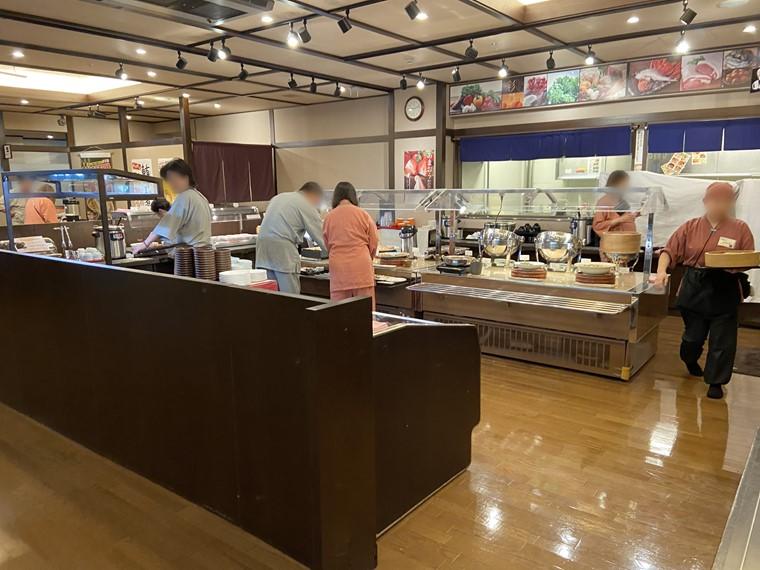 万葉の湯町田館の朝食ビュッフェの様子