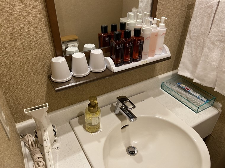 万葉の湯 町田館の個室洗面台写真