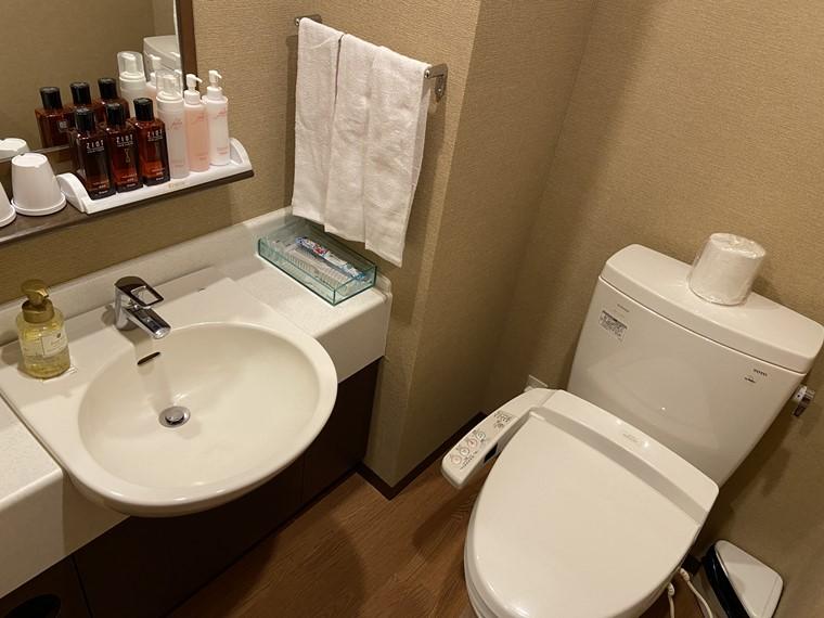 万葉の湯 町田館の個室トイレ写真