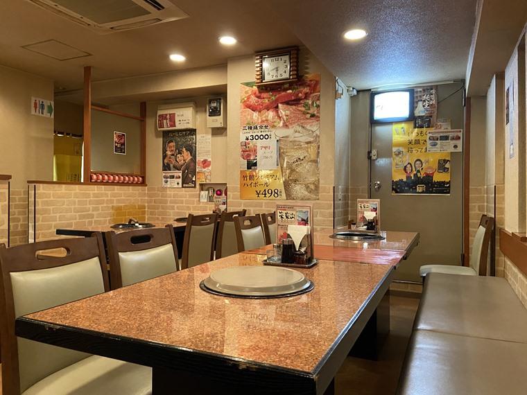 JR石川町駅にある「焼肉東京山」の内観写真