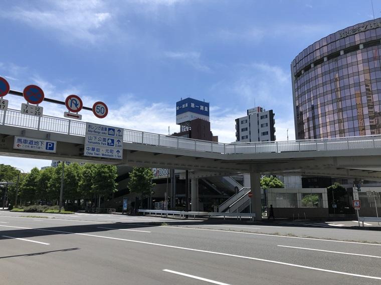 桜木町駅から見た桜木町駅前駐車駐輪場の写真