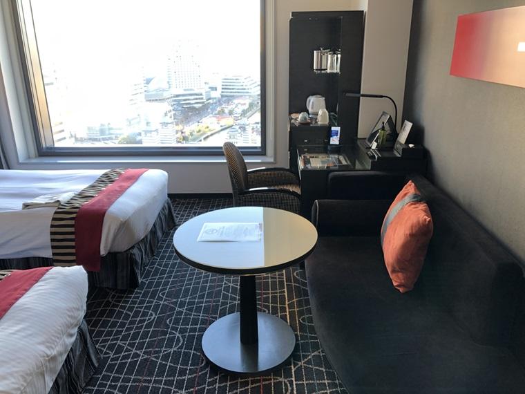 ニューオータニイン横浜プレミアムの最上階19階・海側デラックスツイン客室
